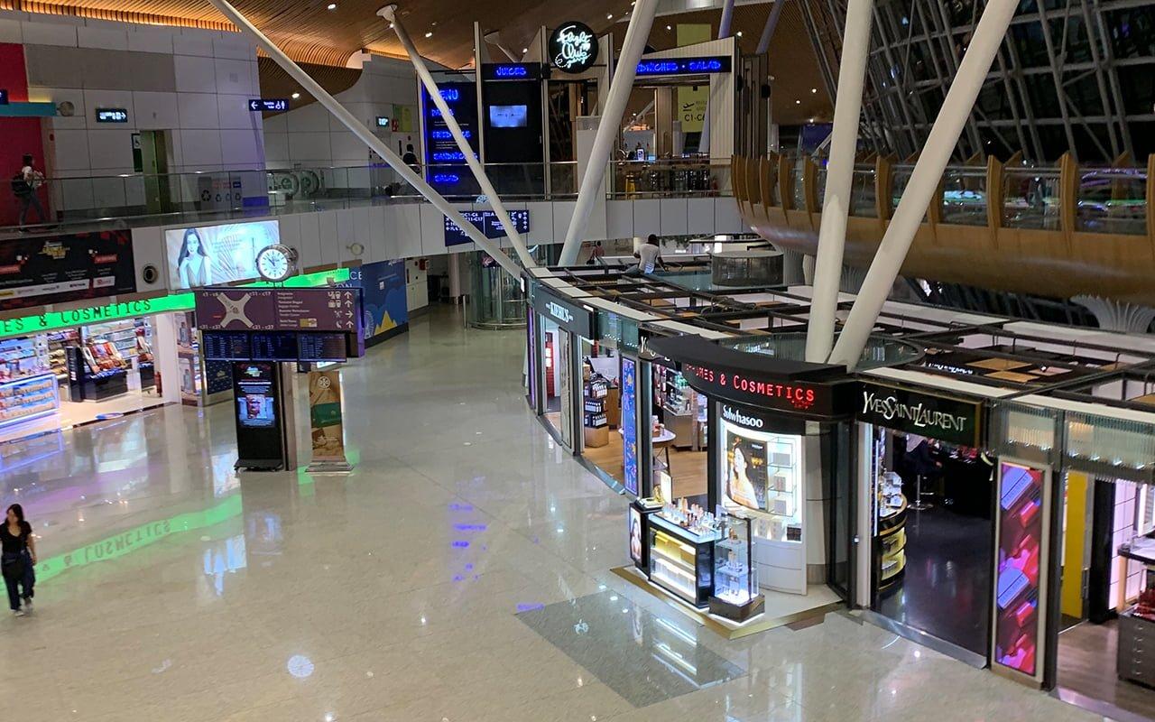 クアラルンプール国際空港到着サテライトビル